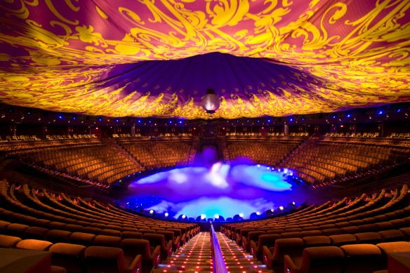 Le Rêve theatre, Wynn Las Vegas Source: http://www.parentdish.co.uk/2011/06/14/las-vegas-with-children-places-to-see-and-stay/#!slide=aol_1007861